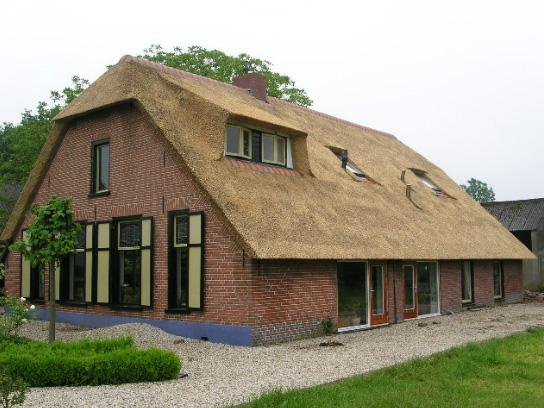 Uw rieten dak vervangen? www.rietendakvervangen.nl