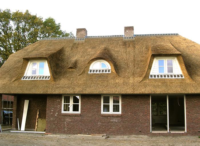 Uw rieten dak vervangen rietendakvervangen